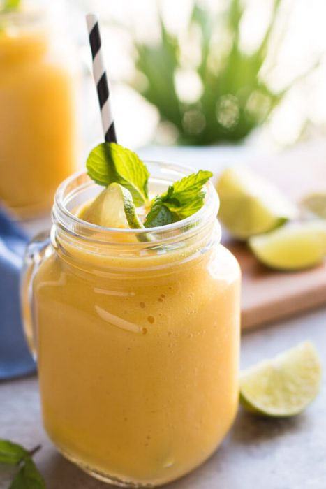 banana-mango-smoothie-recipe-3