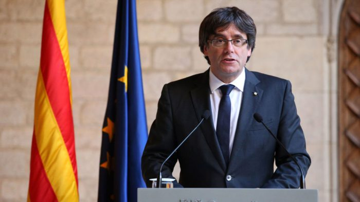 BARCELONA, SPAIN - OCTOBER 26: Catalan President Carles Puigdemont makes a statement at the Catalan Government building Generalitat de Catalunya on October 26, 2017 in Barcelona, Spain. (Photo by Jack Taylor/Getty Images)