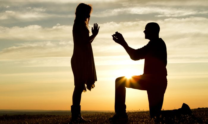 proposing-on-one-knee
